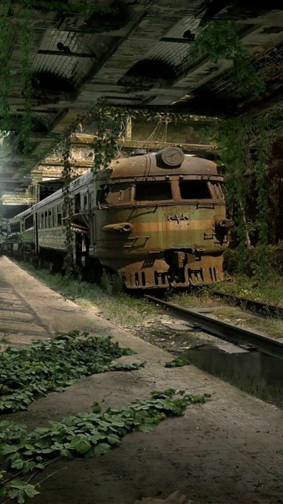 Rusty Train Mobile Phone Wallpaper Image 1