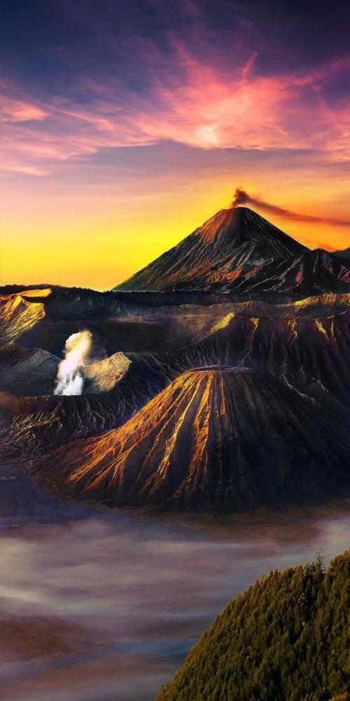 Mountains Mobile Phone Wallpaper Image 1