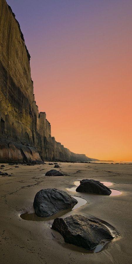 Sea Rocks Mobile Phone Wallpaper Image 1
